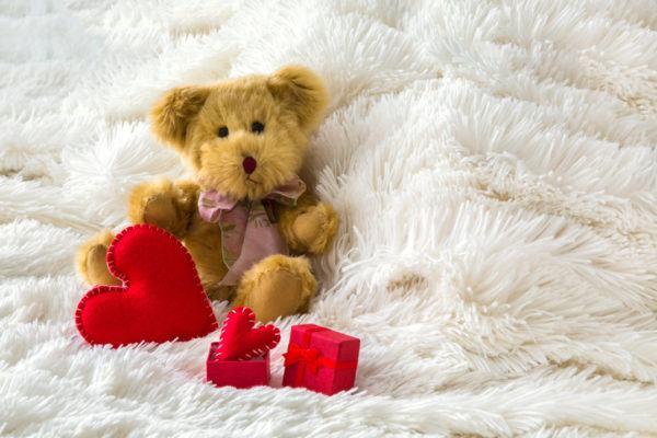 Consejos para decorar habitaciones romanticas primer regalo de pareja