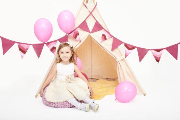 Ideas para decorar una pared infantil mundo de fantasia y princesas