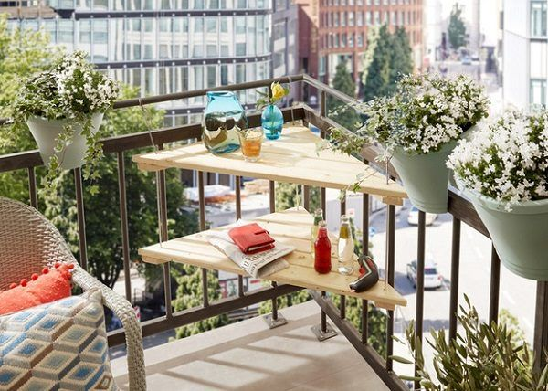 C mo decorar balcones peque os ideas y consejos - Table suspendue pour balcon ...