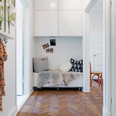C mo decorar pasillos largos y estrechos ideas y consejos for Muebles para pasillos estrechos