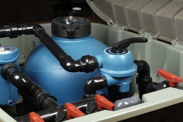 como-instalar-una-piscina-prefabricada-istock5